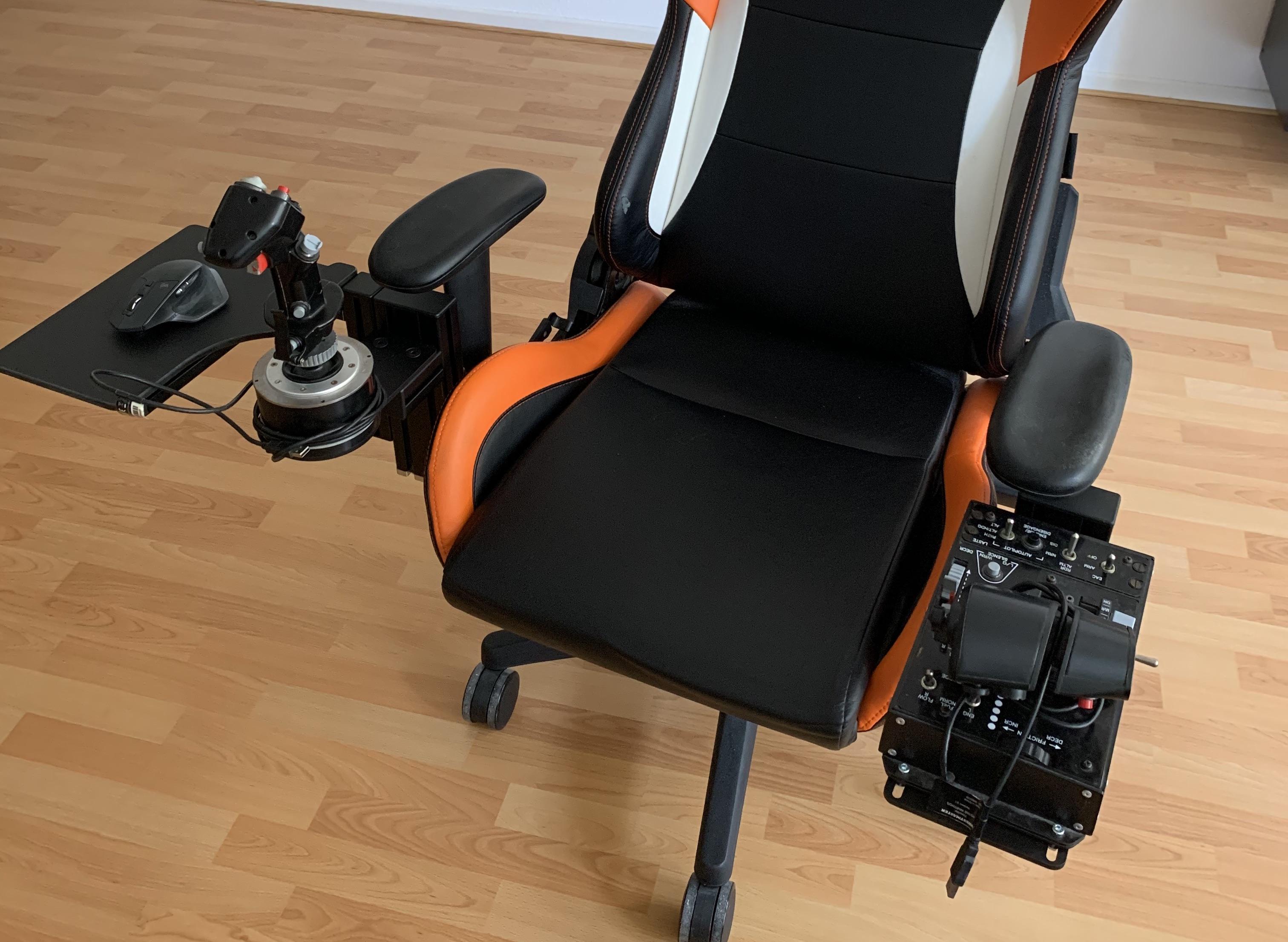 """2nd test """"Monstertech.de"""" : Pour chaise de joueur"""
